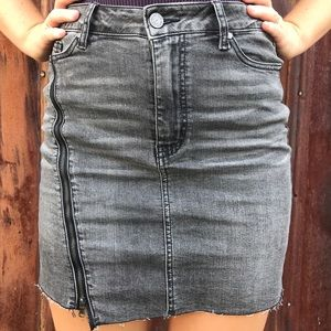 Dresses & Skirts - Grey denim skirt with adjustable side zipper
